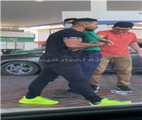 مشاجرة بالأيدي بين أحمد سعد وشاب بمحطة وقود