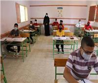 نائب محافظ الوادي الجديد تتفقد سير امتحانات «الإعدادية» بالخارجة
