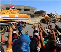 تحيا مصر ورئيسها..هتافات الفلسطينيين فور وصول المعدات لإعادة إعمارغزة