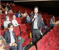 150 شاب وفتاة من 3 قارات يحتفلون بفيلم «الأرض» في مهرجان الأقصر
