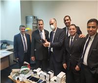 إحباط تهريب هواتف محمولة ومناظير جراحية بمطار القاهرة