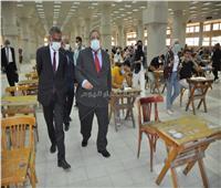 رئيس جامعة حلوان يجرى جولة تفقدية لمتابعة سير الامتحانات | صور