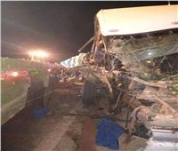 ارتفاع ضحايا حادث تصادم أتوبيس وسيارة في الوادي الجديد إلى 24 شخصًا
