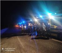 شهود عيان على حادث الوادي الجديد: الأتوبيس كان سريعًا ودخل في «تريلا»