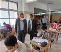 نائب رئيس جامعة بنها يتفقد سير الإمتحانات بكلية الهندسة