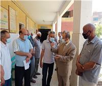 انطلاق فعاليات تطعيم معلمي الثانوية العامة بلقاح كورونا في قنا