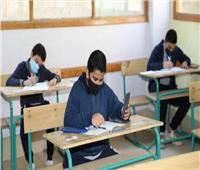 طلاب الشهادة الإعدادية بالمنيا يشتكون من صعوبة امتحان اللغة الأجنبية
