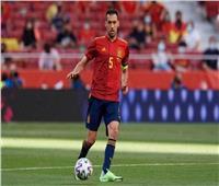 إسبانيا تستعدي 4 لاعبين بعد إصابة «بوسكيتس» بكورونا