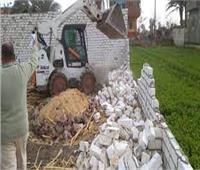 إزالة 10 حالات تعدٍ بالبناء المخالف في ديرمواس بالمنيا