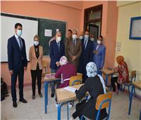 محافظ المنيا يتابع انتظام سير امتحانات الشهادة الإعدادية بلجان مركز أبوقرقاص