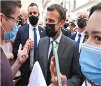 حبس رجل صفع الرئيس الفرنسي ماكرون 18 شهرا