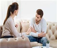 خبير علاقات: المرأة تنظر للرجل غير المتسلط بشكل سلبي