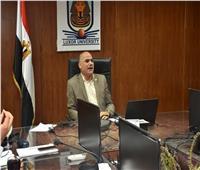 رئيس جامعة الأقصر يعقد اجتماعا مع عمداء ووكلاء الكلياتحول الامتحانات
