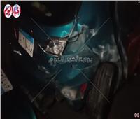 حادث تصادم علي طريق السخنة بسبب سباق سيارات| فيديو