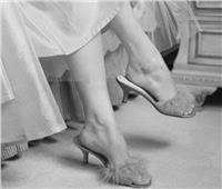 في الخمسينيات.. قاضي يرفض تطليق سيدة بسبب «شبشب قطيفة»