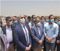 محافظ بني سويف ووزير التنمية المحلية يتفقدان المدفن الصحي