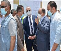 وزير التنمية المحلية ومحافظ بني سويف يتفقدان الموقف التنفيذي للمدفن الصحي بسنور