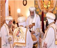البابا تواضروس يصلي أول قداس بكنيسة القديسين في الإسكندرية بعد تدشينها