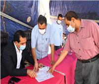 نائب محافظ قنا يشهد تسليم قطع أراضي للمستفيدين من أرض مدينة الأمل