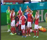 حزن كبير من لاعبي الدنمارك عقب سقوط إيركسن ومحاولة إنقاذه