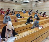 بدء امتحانات صيدلة عين شمس وسط إجراءات احترازية مشددة  صور