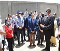 محافظ المنيا يتابع مشروعات المرحلة الأولى من «حياة كريمة» بقرية الوفاء