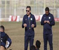 خالد جلال يُحفِّز لاعبي البنك الأهلي قبل مواجهة إنبي