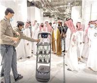 «روبوت» لتوزيع مياه زمزم دون تلامس