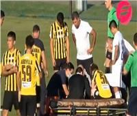 «إريكسن» في صورة أخرى.. لحظة سقوط لاعب آخر على أرض الملعب مغشياً عليه| فيديو
