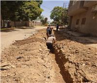 استكمال شبكات الصرف الصحي بشوارع قرية الحبيل في الأقصر