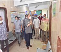 محافظ أسيوط يتابع انتظام تلقي المواطنين للقاح كورونا بالمركز الصحي