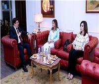 حسين زين يلتقى وزيرة الإعلام اللبناني لبحث سبل التعاون المشترك