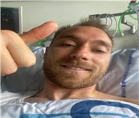 إيريكسن ينشر صورة له من المستشفى: «أنا بخير شكرا لكم»