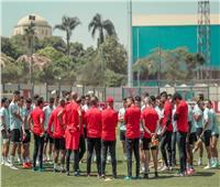 دوري أبطال إفريقيا  بعثة الأهلي تغادر القاهرة في طريقها إلى تونس