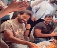 محمد صلاح يحتفل بعيد ميلاده الـ29  فيديو