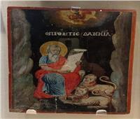 للاحتفال بهم.. متحف أثار الإسماعيلية يستعرض قطع أثرية للمسنين | صور