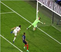 فرنسا تضرب ألمانيا بهدف أول من «نيران صديقة»| فيديو