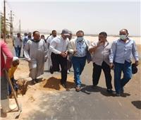 رئيس مدينة ملوى يُتابع البدء فى عمل جسات طريق الشيخ عبادة ـ دير أبوحنس
