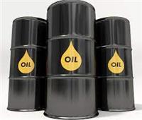 أسعار النفط العالمي تواصل الصعود مع تخفيف قيود كورونا