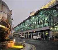 التحقيقات: موظف المطار اعتاد تصوير السيدات من الخلف