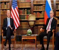 بايدن: روسيا خالفت الأعراف الدولية.. ووفاة نافالني بالسجن ستدمرهم
