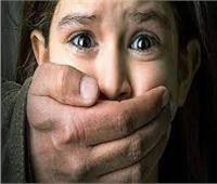 شقيقان يستدرجان طفلة للتحرش بها بأوسيم