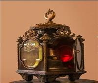 متحف المركبات الملكية يعرض المصباح المعدني في إنارة العربات