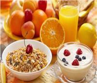 منتجات الألبان والفاكهة مكونات أساسية لـ«إفطار طفلك»
