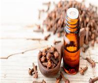 مرطب ومسكن..5 فوائد لزيت الزيتون بالقرنفل للجسم