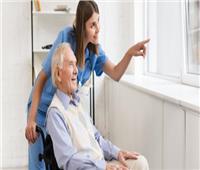 استشاري نفسي يوضح كيفية التعامل مع كبار السن