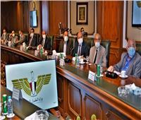 وزير الطيران المدني يلتقي برؤساء وممثلي «الشركات المصرية الخاصة»