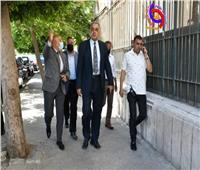 نائب رئيس جامعة عين شمس يتفقد أعمال تطويرالأسوار والأرصفة الخارجية
