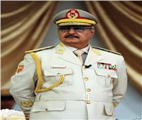 حفتر: مصر تلعب دورًا مؤثرًا في استقرار ليبيا