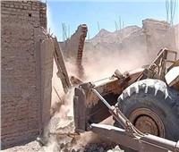 إزالة 25 منزلا من «مساكن زرزارة» بعد نقل الأسر إلى بديل العشوائيات في سفاجا